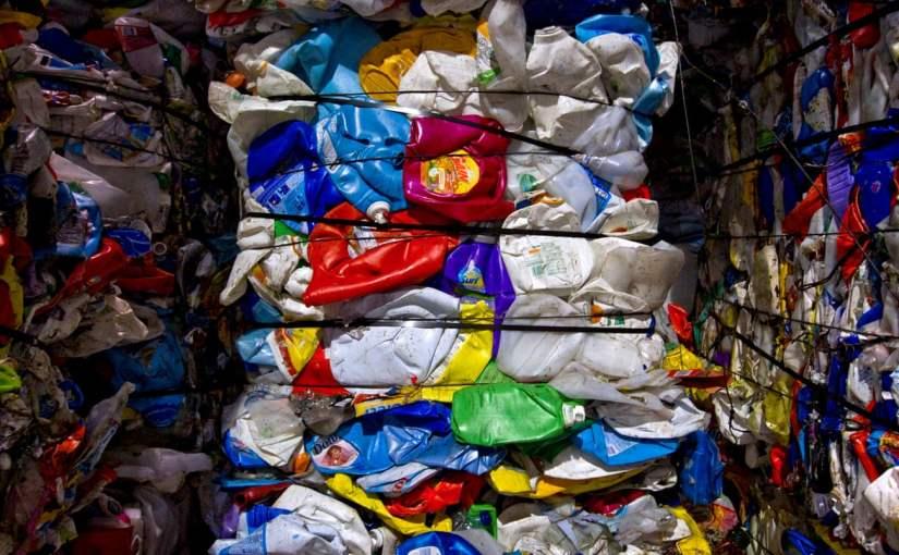 The Guardian: Ecuador, entre países que importan basura plástica deEE.UU.